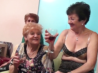 old and youthful lesbian babes perform in a room