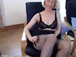 golden-haired gmilf housemaid hazel fingering