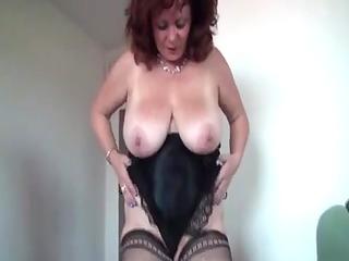 large beautiful woman mommas masturbating