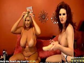 hot mature lesbo doing gold show
