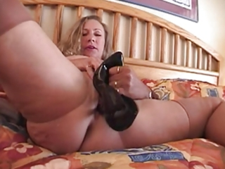 fucll fashion nylons older busty with high heel