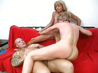 two sexy granny whores share one fortunate pounder