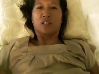 thai girlfriends mommy