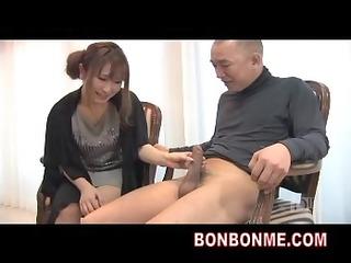 breasty milf handjob to amateur man
