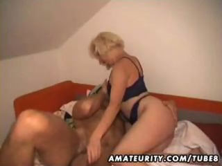 golden-haired amateur wife makes a homemade sex