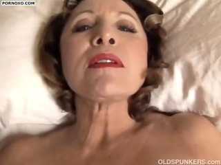 hot latin chick d like to fuck playing with here
