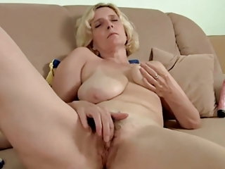 hairy aged with saggy love muffins dildoing by