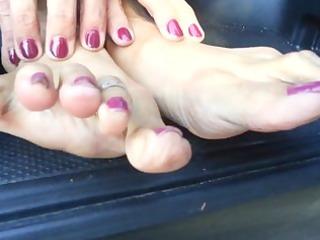 smelly older feet