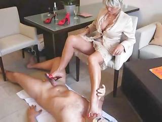 lady b foot massage