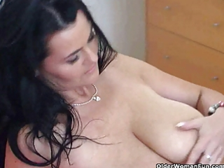 older housewife dawn plays with her natural large