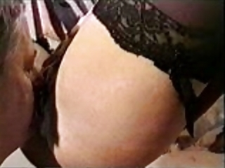 cuckold spouse eating cum from wifes pussy4