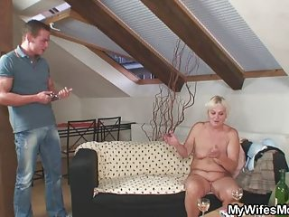 home party with her mamma goes very bad