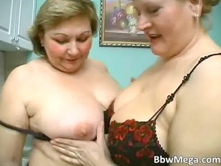 sexy blonde chubby d like to fuck hoes make out