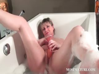 wicked older masturbates in bathtub