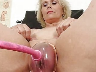 blondhaired bulky milf explored by cunt doctor