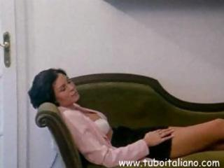 italian brunette wife receives her cunt licked