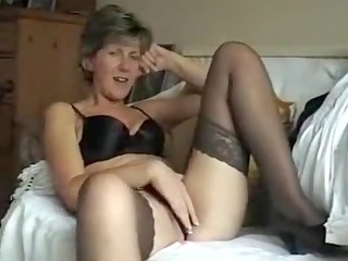 someones mamma shows us her tits