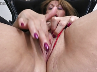 smutty housewife mom getting moist by her dildo