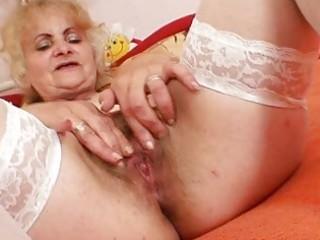mature dominika old twat gaping and masturbation